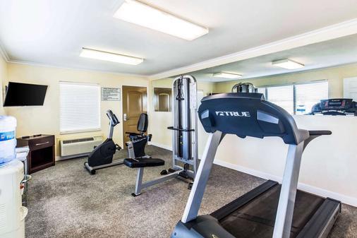 Quality Inn Abilene - Abilene - Gym