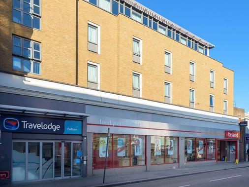 Travelodge London Fulham - London - Building