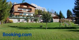 Hotel Villa Gaia - Cortina d'Ampezzo - Building