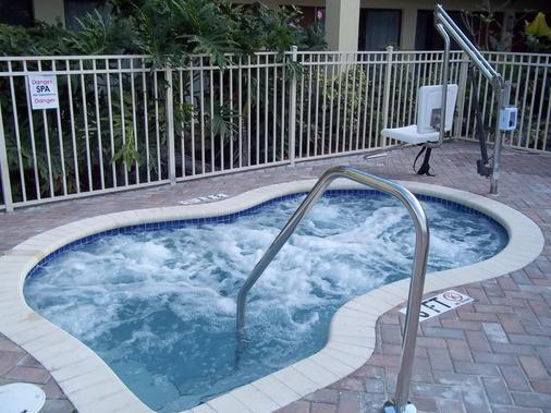 Best Western Plus University Inn - Boca Raton