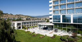 Best Western Plus Kelowna Hotel & Suites - Kelowna - Building