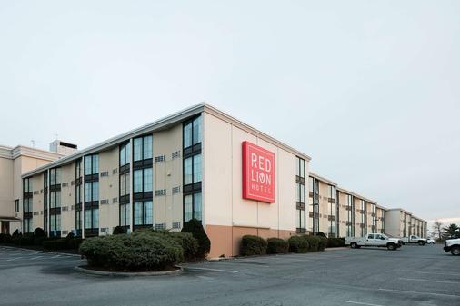 Red Lion Hotel Harrisburg East - Harrisburg - Building