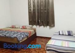 Pan Homestay - Kuantan - Bedroom