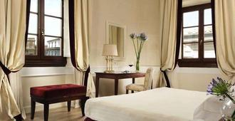 Fh Hotel Calzaiuoli - Florence - Bedroom