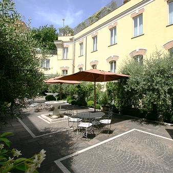 Ateneo Garden Palace - Rome - Outdoor view