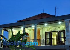 Eka Bali Guest House - Ubud - Building