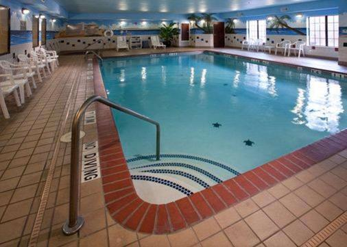 Quality Inn & Suites Waco - Waco - Pool