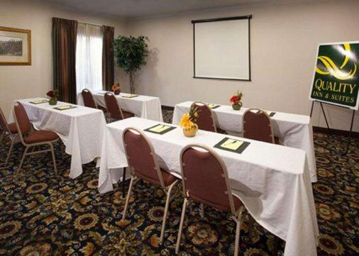 Quality Inn & Suites Waco - Waco - Meeting room