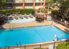 Best Western Raleigh North-Downtown - Raleigh - Pool