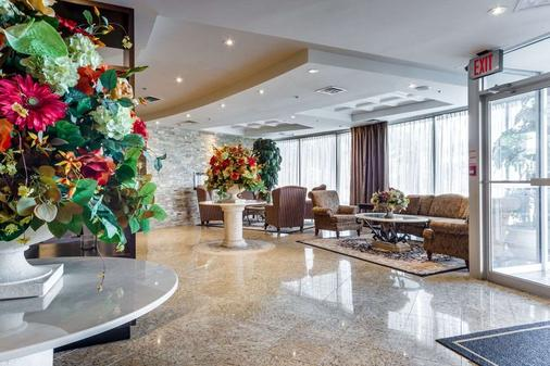 Monte Carlo Inn Airport Suites - Mississauga - Lobby