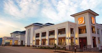 Eka Hotel Nairobi - Nairobi - Building