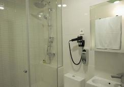 Vitium Urban Suites - Madrid - Bathroom