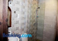 Hotel Delisi - Tbilisi - Bathroom