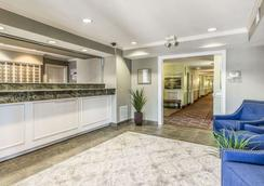 Suburban Extended Stay Hotel - Fort Myers - Lobby