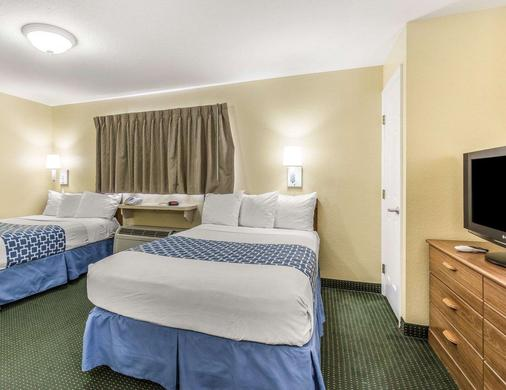 Suburban Extended Stay Hotel - Fort Myers - Bedroom