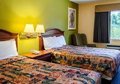 Rodeway Inn - Vicksburg - Bedroom
