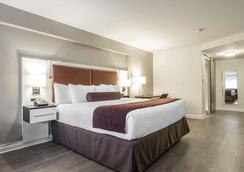 The Saint James Hotel, an Ascend Hotel Collection Member - Toronto - Bedroom