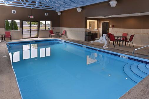 Comfort Suites Columbus - Columbus - Pool