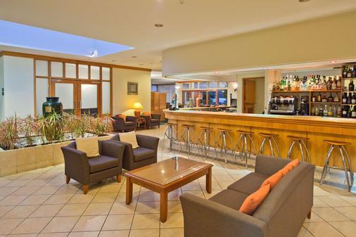 Comfort Hotel Flames Whangarei - Whangarei - Bar
