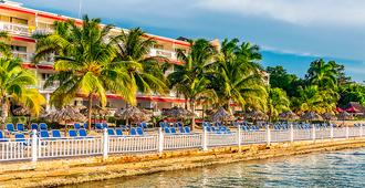 Royal Decameron Montego Beach - Montego Bay - Building