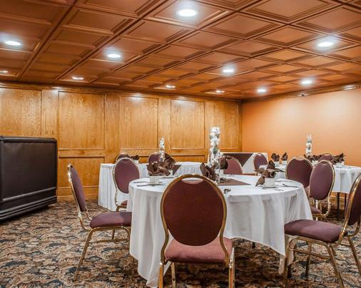 Quality Hotel & Suites At The Falls - Niagara Falls - Meeting room