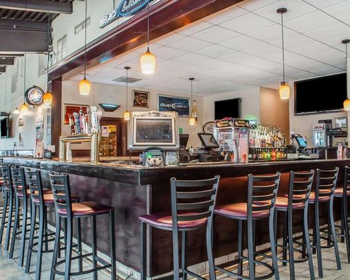Quality Hotel & Suites At The Falls - Niagara Falls - Bar