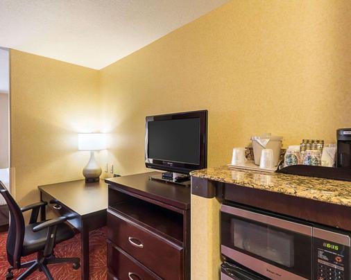Comfort Suites Wichita - Wichita - Living room