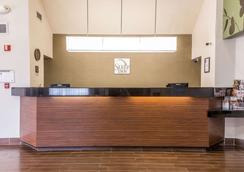 Sleep Inn Phoenix Sky Harbor Arpt - Phoenix - Lobby