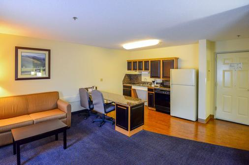 Mainstay Suites Conference Center - Pigeon Forge - Kitchen