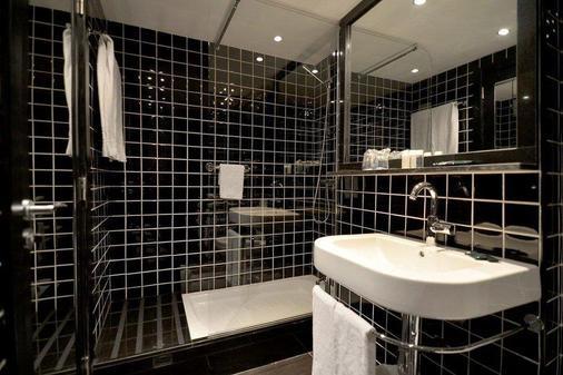 Parallel - Barcelona - Bathroom
