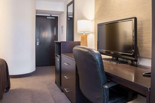 Sleep Inn - Bend - Living room