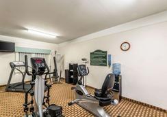 Quality Inn & Suites SeaWorld North - San Antonio - Gym