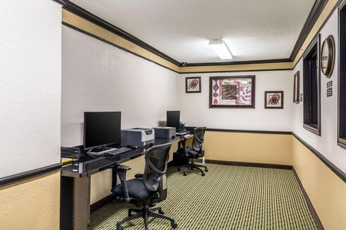 Quality Inn & Suites SeaWorld North - San Antonio - Business centre