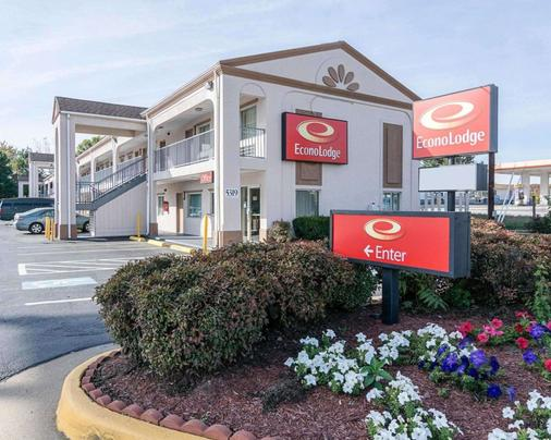 Econo Lodge - Fredericksburg - Building