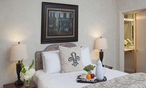 Chateau Hotel - New Orleans - Bedroom