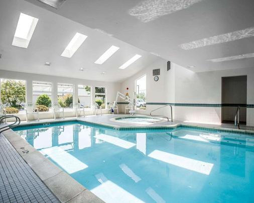 Comfort Inn - Bellingham - Pool