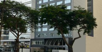 Dazzler Lima - Lima - Building