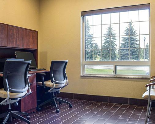 Comfort Suites - Minot - Business centre