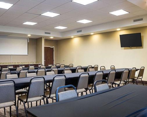 Comfort Suites - Minot - Meeting room