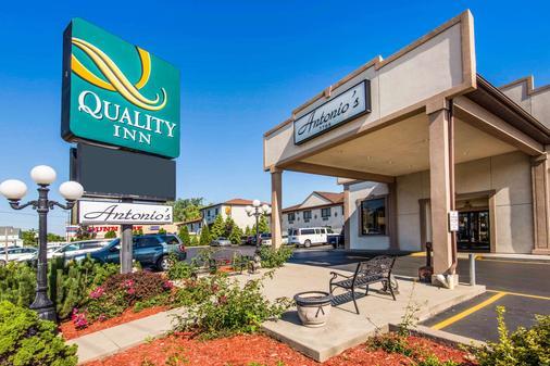 Quality Inn - Niagara Falls - Building