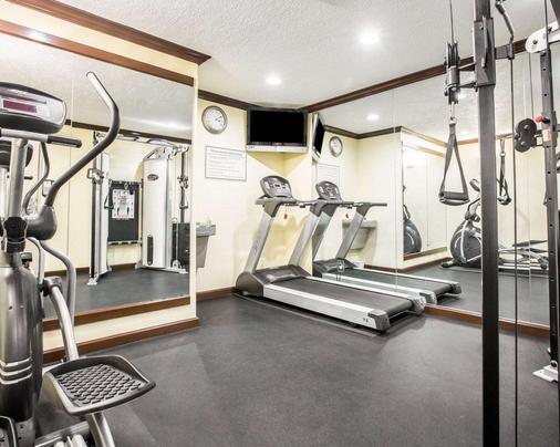Quality Inn San Diego I-5 Naval Base - San Diego - Gym