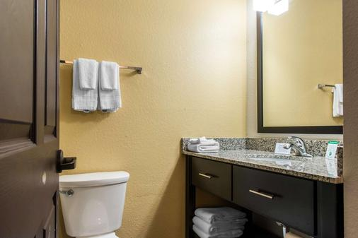 Sleep Inn & Suites - Pittsburgh - Bathroom