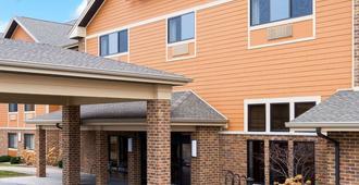 AmericInn Lodge & Suites Green Bay East - Green Bay - Building