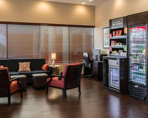Comfort Suites Clearwater - Dunedin - Clearwater - Living room