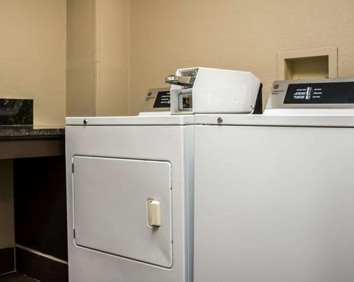Comfort Suites Clearwater - Dunedin - Clearwater - Laundry facility