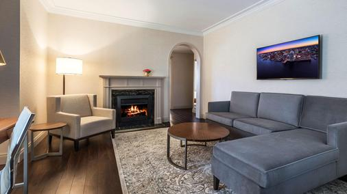 The Lord Nelson Hotel & Suites - Halifax - Living room