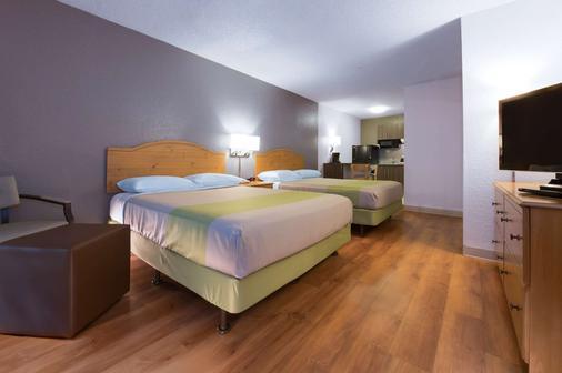 Studio 6 West Palm Beach - West Palm Beach - Bedroom