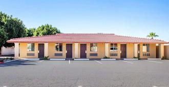 Rodeway Inn Old Town Scottsdale - Scottsdale - Building