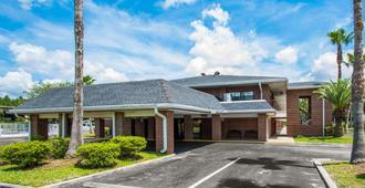 Econo Lodge - Jacksonville - Building
