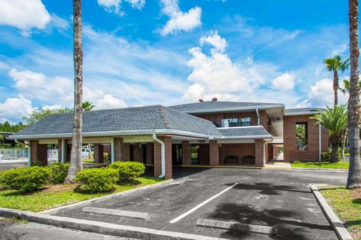 Econo Lodge - Jacksonville - Building